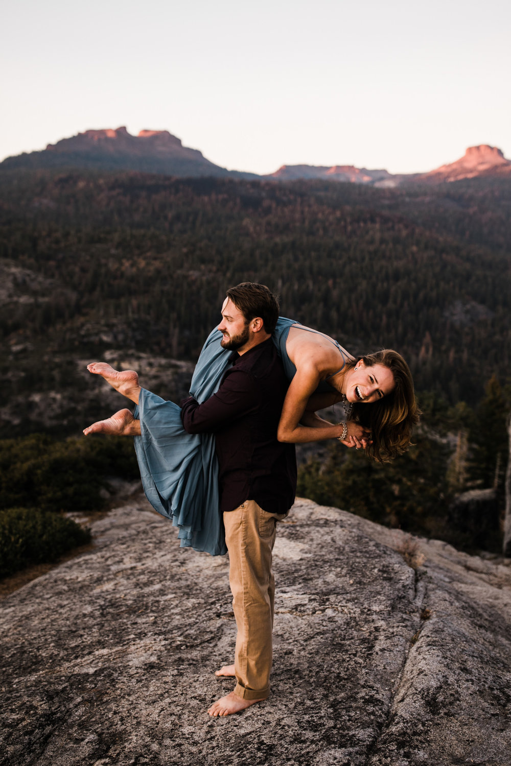 california mountains adventure engagement session | destination engagement photo inspiration | utah adventure elopement photographers | the hearnes adventure photography | www.thehearnes.com