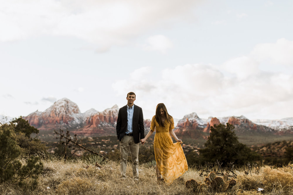 adventure engagement session in sedona arizona | destination engagement photo inspiration | utah adventure elopement photographers | the hearnes adventure photography | www.thehearnes.com