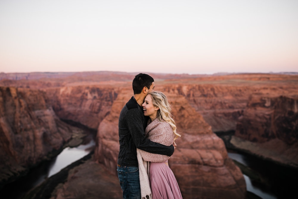 horseshoe bend elopement session | destination engagement photo inspiration | utah adventure elopement photographers | the hearnes adventure photography | www.thehearnes.com