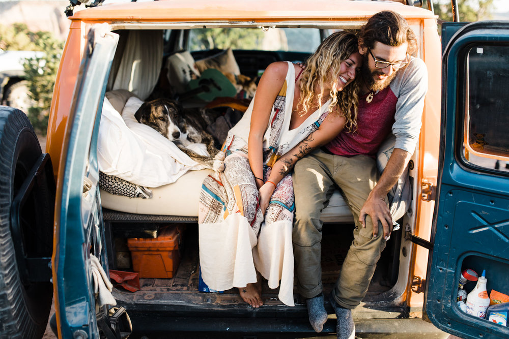 van life adventure session in the desert | destination engagement photo inspiration | utah adventure elopement photographers | the hearnes adventure photography | www.thehearnes.com