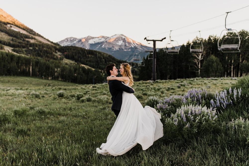 crested butte, colorado intimate ski resort wedding | destination adventure wedding photographers | the hearnes adventure photography | www.thehearnes.com