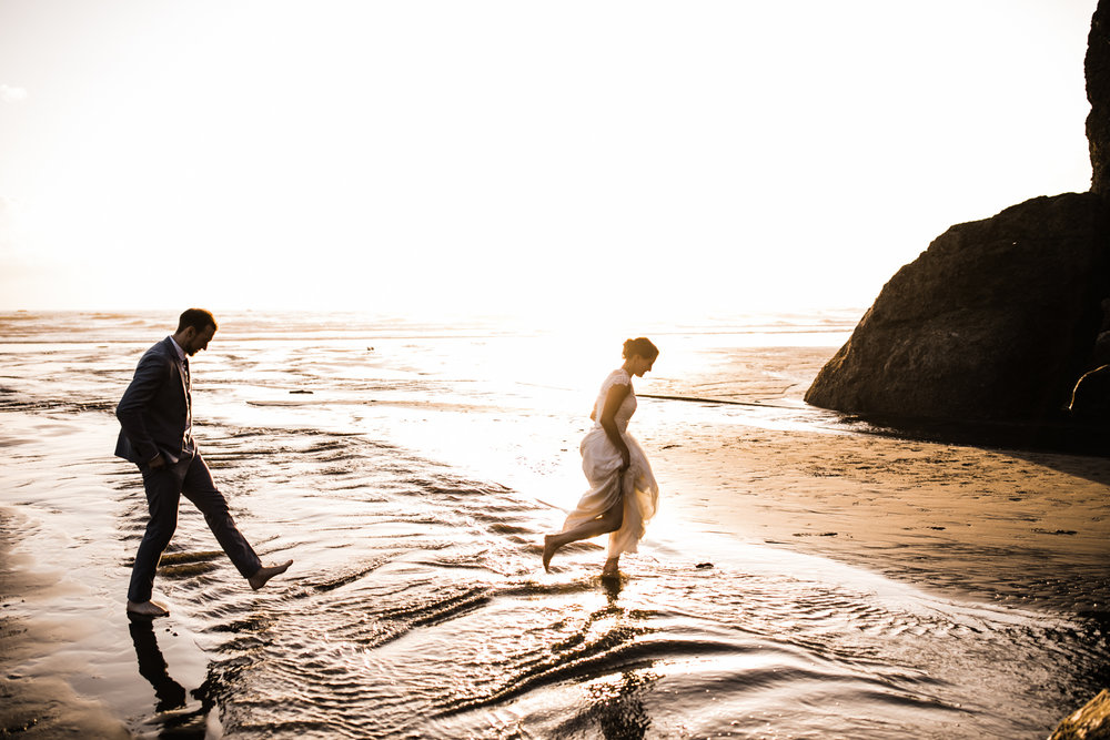 ruby beach olympic national park intimate wedding | destination adventure wedding photographers | the hearnes adventure photography | www.thehearnes.com