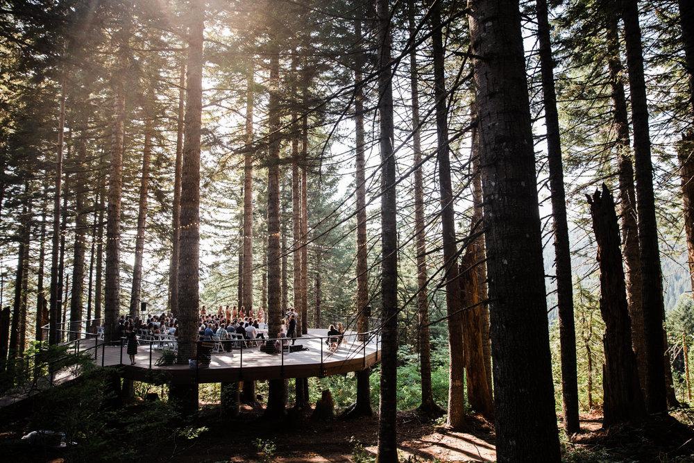 washington treehouse forest wedding day | destination adventure wedding photographers | the hearnes adventure photography | www.thehearnes.com