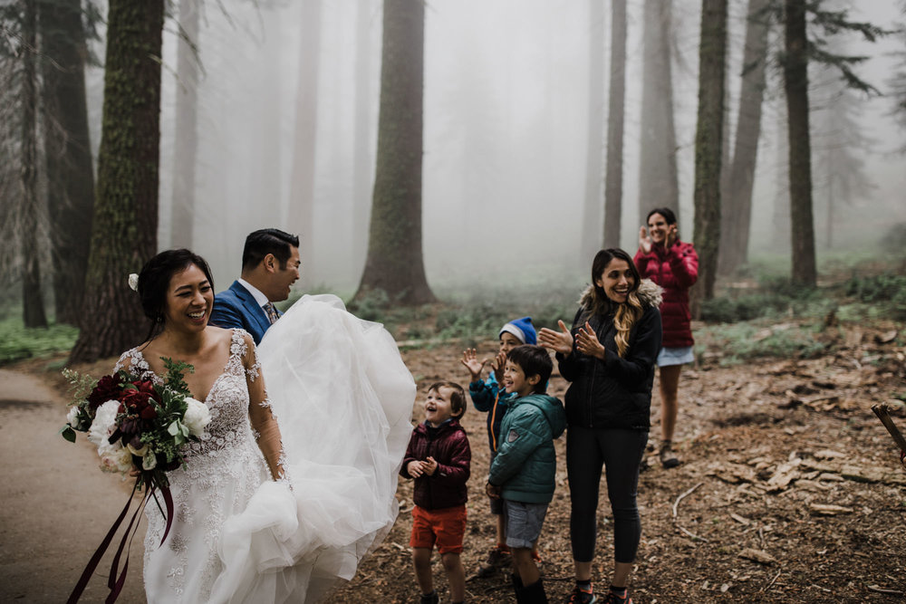 foggy sequoia national park elopement | destination adventure wedding photographers | the hearnes adventure photography | www.thehearnes.com