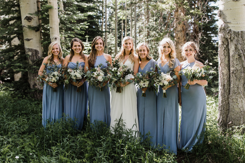 intimate mountain top wedding at a ski resort in crested butte, colorado | destination adventure wedding photographers | the hearnes adventure photography | www.thehearnes.com