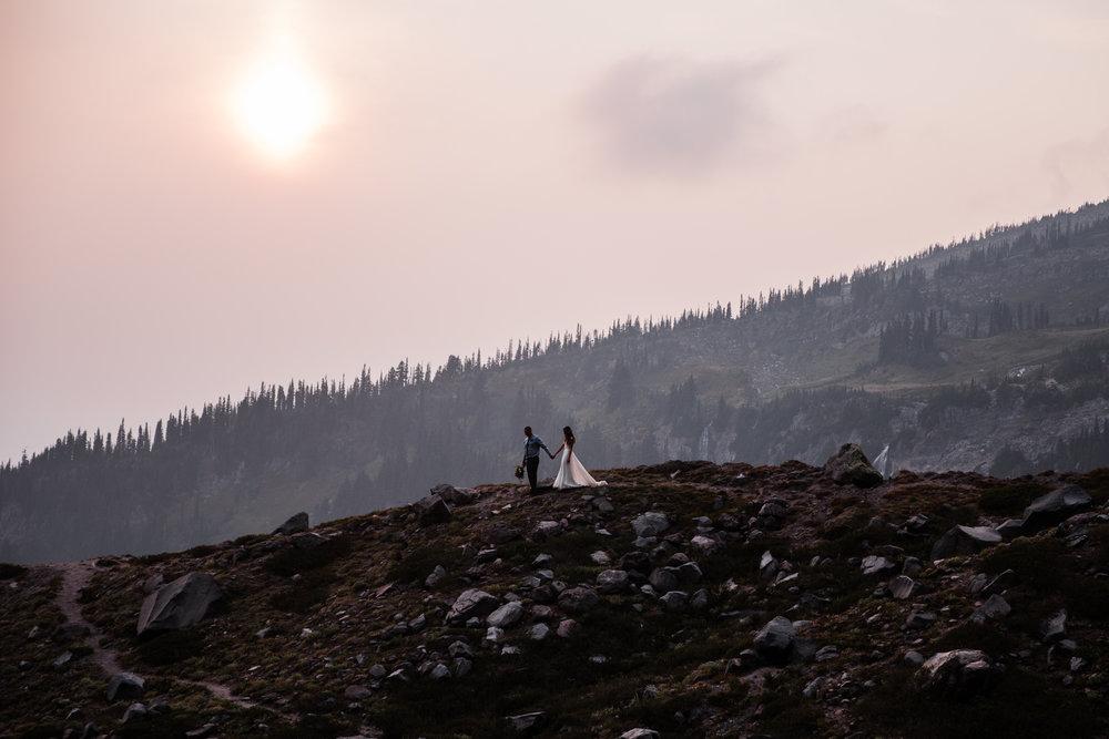 hiking elopement in mount rainier national park | destination adventure wedding photographers | the hearnes adventure photography | www.thehearnes.com