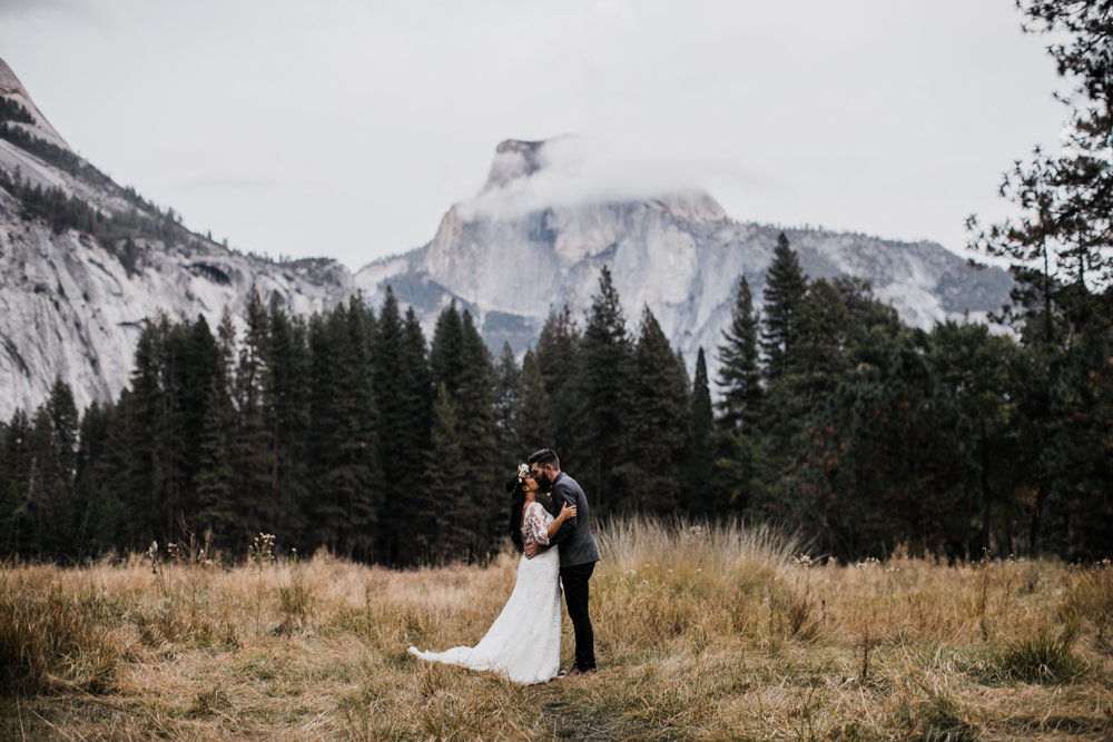 fall wedding in yosemite national park | destination adventure wedding photographers | the hearnes adventure photography | www.thehearnes.com