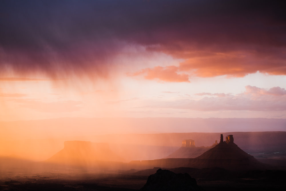 rainstorm in castle valley utah | utah and california adventure elopement photographers | the hearnes adventure photography | www.thehearnes.com