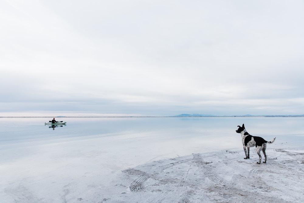 kayaking on the salt flats in utah | utah and california adventure elopement photographers | the hearnes adventure photography | www.thehearnes.com