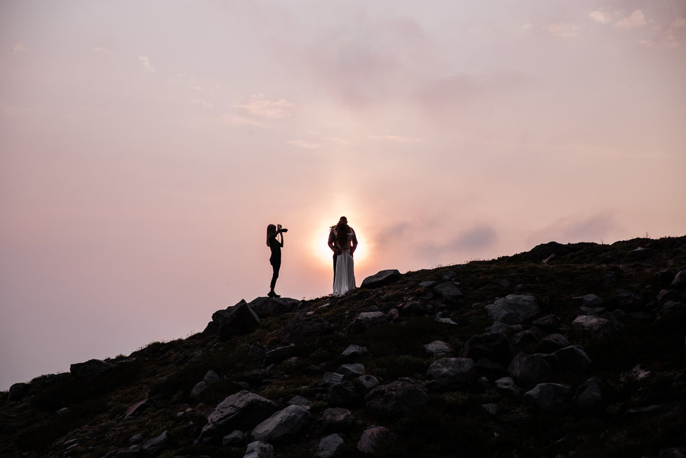 shooting an elopement in mount rainier national park | utah and california adventure elopement photographers | the hearnes adventure photography | www.thehearnes.com