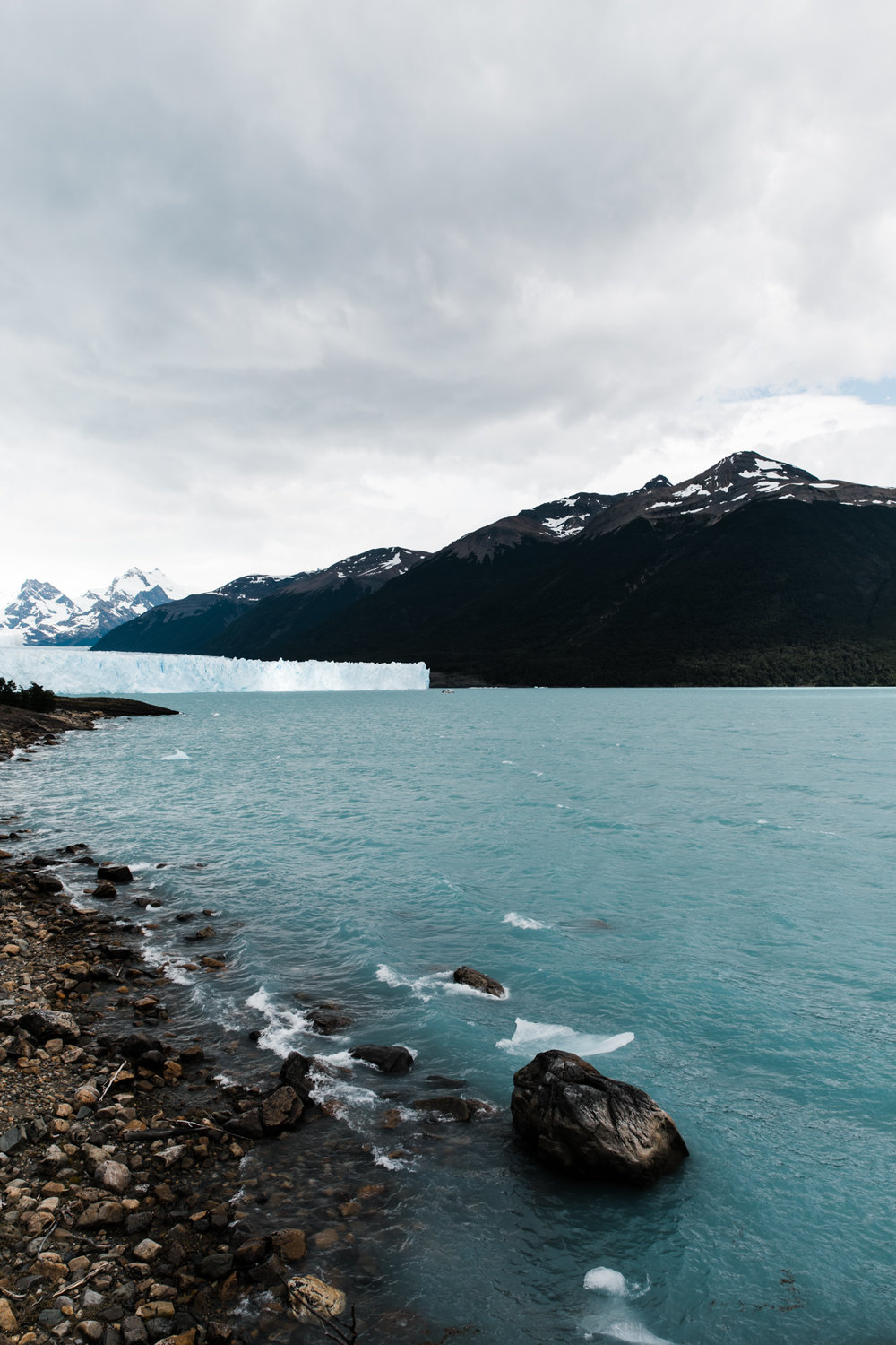 Exploring Perito Moreno Glacier in Los Glacaries National Park | What to do in El Calafate, Argentina | The Hearnes Adventure Photography | www.thehearnes.com