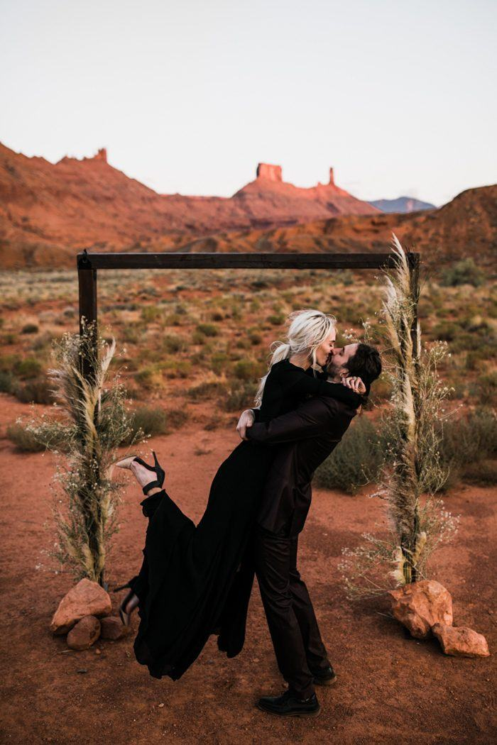 moab utah adventure elopement | bride in a black wedding dress | moab utah elopement photographers | the hearnes adventure photography | www.thehearnes.com