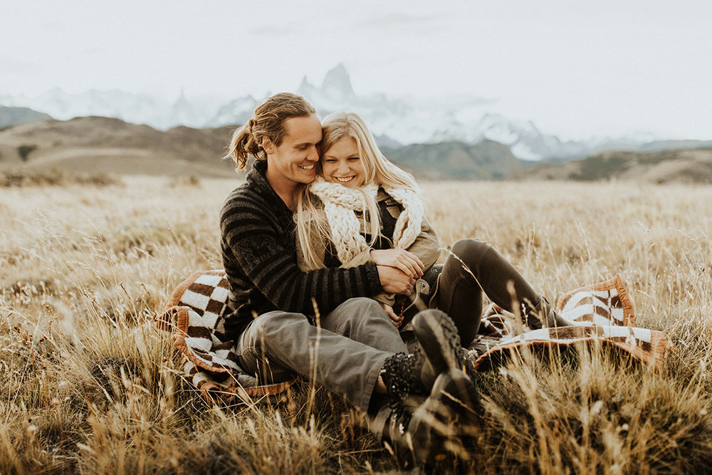 our adventure photo session in patagonia | photos by anni graham | el chalten, argentina | patagonia elopement photographer | www.thehearnes.com