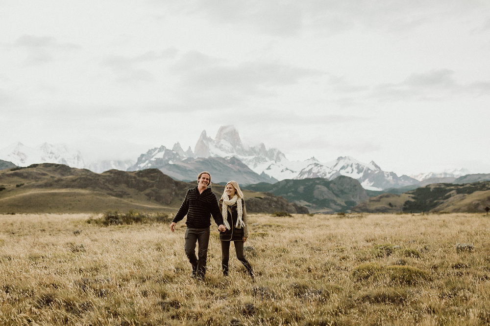 our adventure photo session in patagonia | photos by cedar + pines | el chalten, argentina | patagonia elopement photographer | www.thehearnes.com