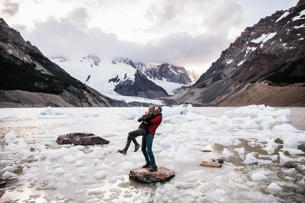 adventure backpacking session near fitz roy | patagonia elopement photographer | argentina wedding photographer | the hearnes adventure photography | www.thehearnes.com