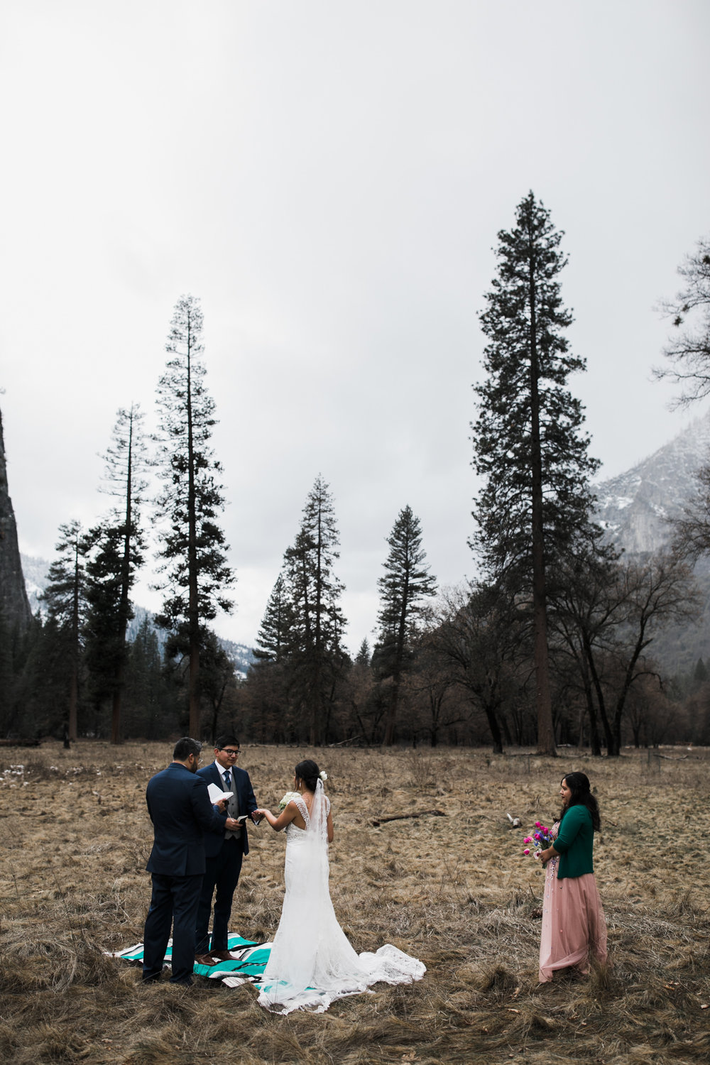 winter wedding in yosemite