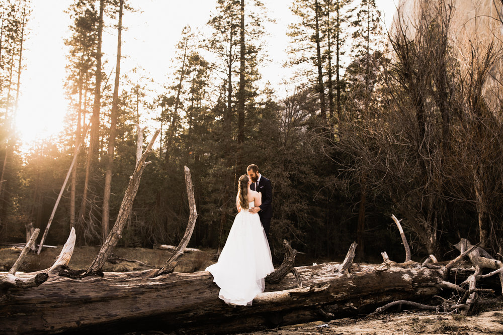 winter elopement wedding in yosemite national park | The Hearnes Adventure Photography