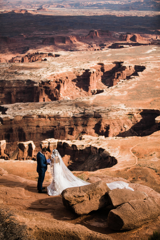 Hearnes-Elopement-Photography-Canyonlands-National-Park-Wedding-Photographer-Moab-Utah-Weddings-8.JPG