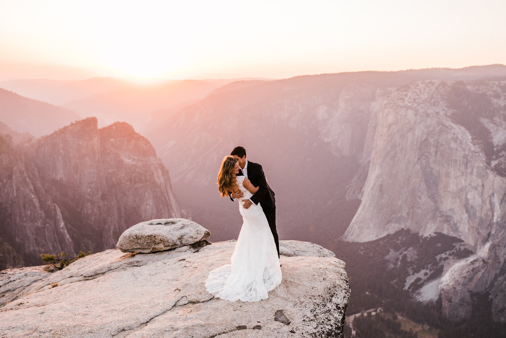 wedding portraits at taft point | yosemite national park elopement photographer | the hearnes adventure photography