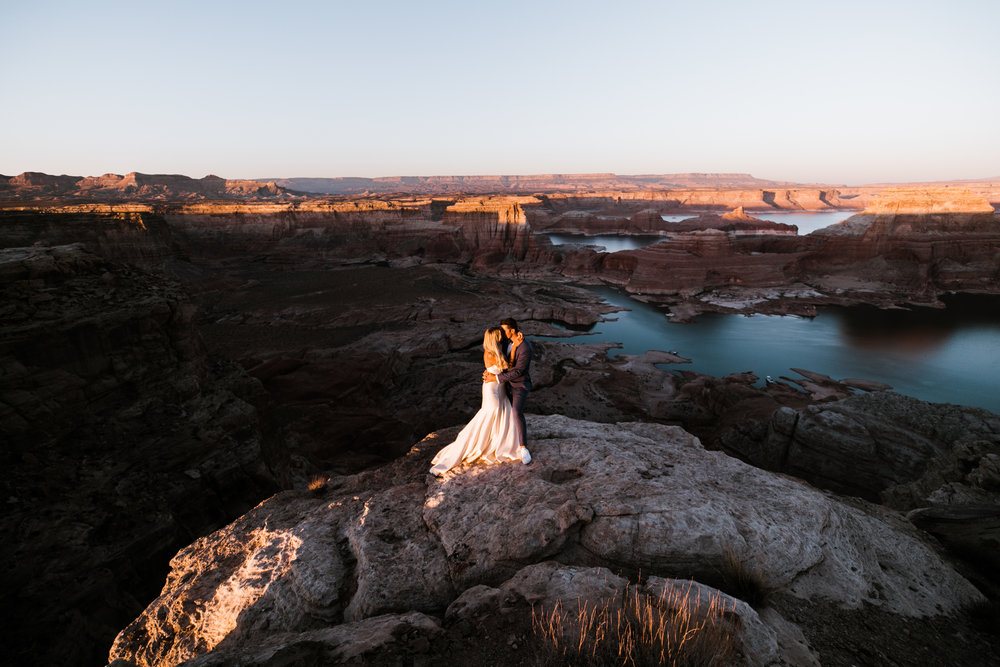 Page-Arizona-Jeep-Adventure-Wedding-Hearnes-Elopement-Photography-Lake-Powell-Horseshoe-Bend-36.jpg