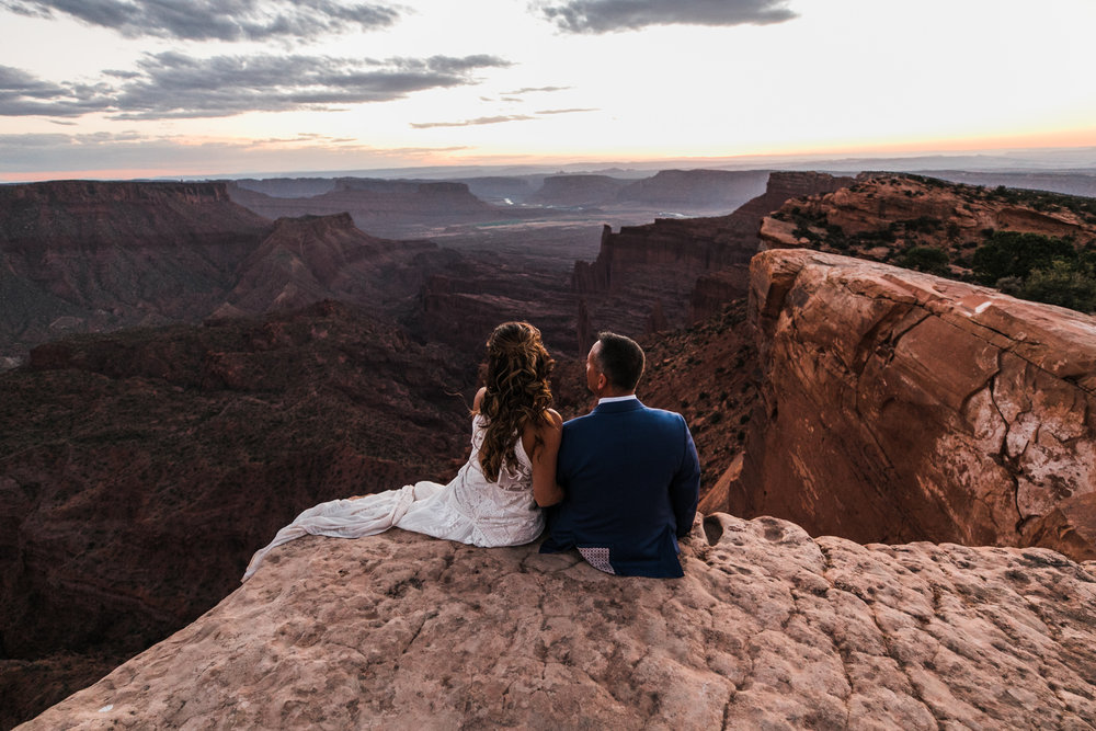 adventure jeep wedding in the utah desert | rue de seine bride | blue tux groom | moab elopement photographer | the hearnes adventure photography