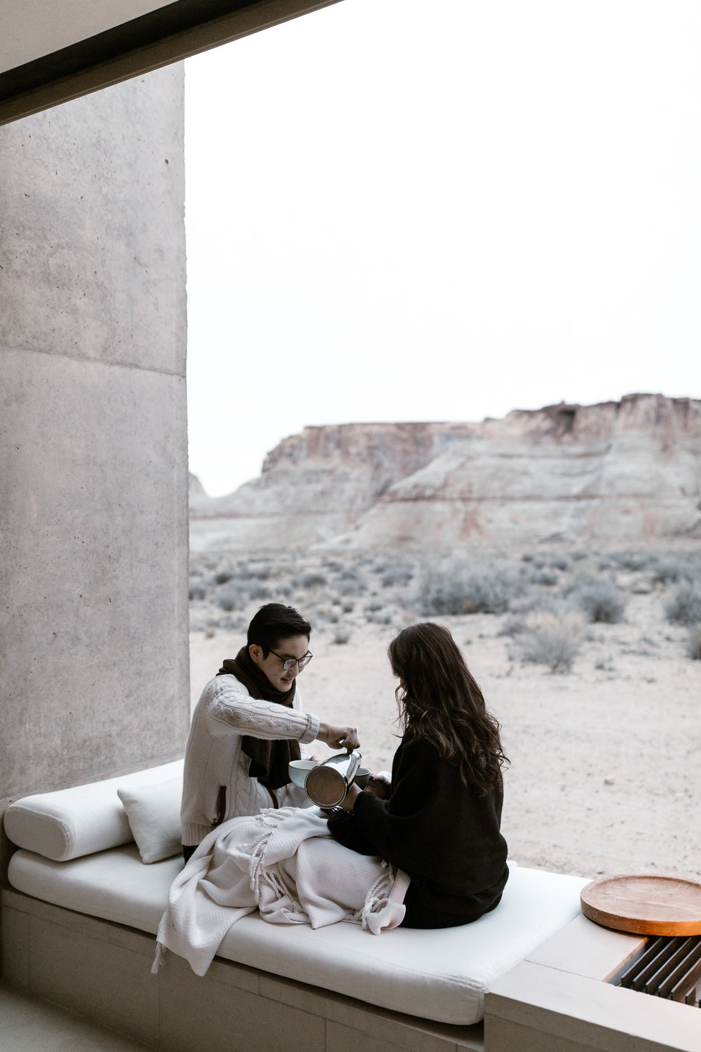 travel couple having their honeymoon at amangiri luxury resort in utah