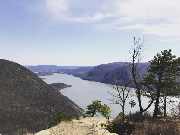 Breakneck Ridge Loop - Cold Springs, NY   Via Breakneck Trail Loop (White - Blue Notch Trail - Wilkinson Memorial Trail)  Completed: 04/23/18