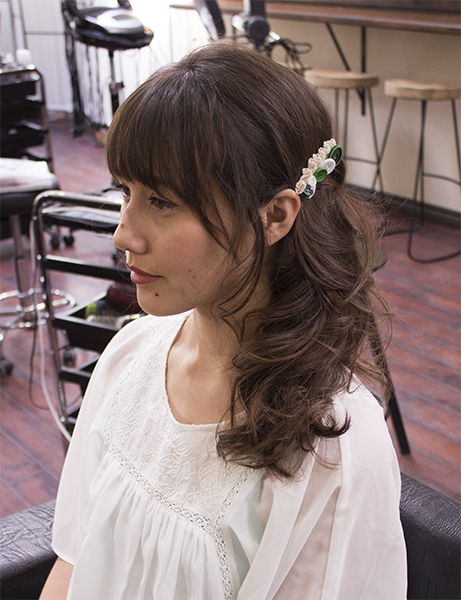 5) To finish the look, use a decorated hair clip!