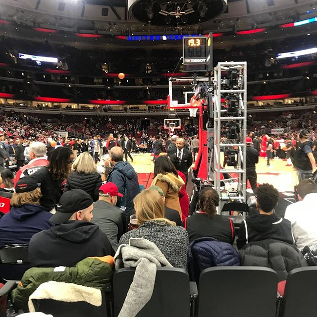 I can see Joe COWLEY's man bun from these seats. Go Bulls! #bullssocialnight Thanks @mattatthepg