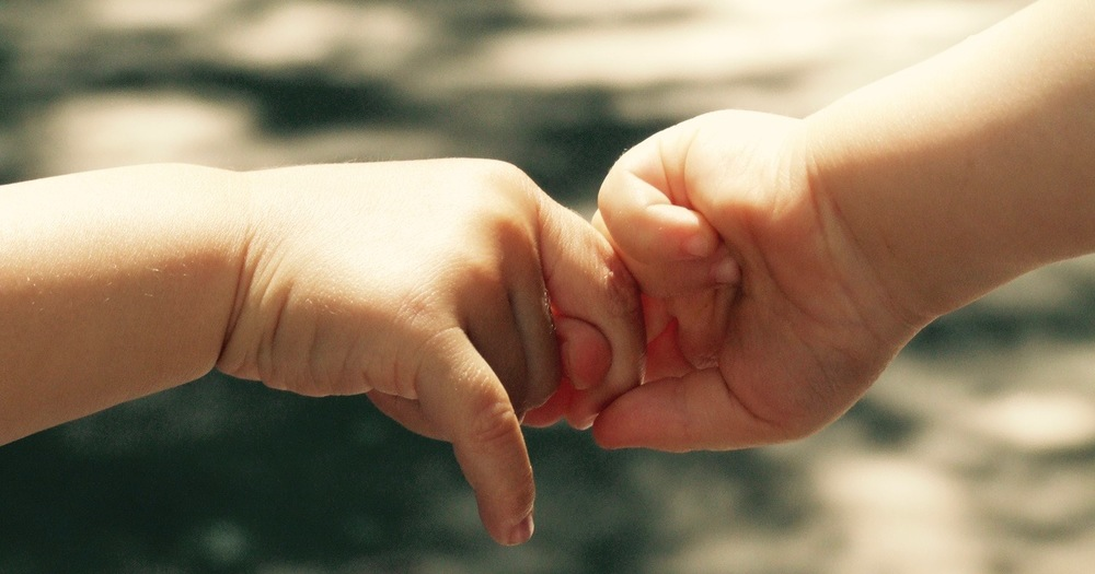 Babies_hand (1).jpg