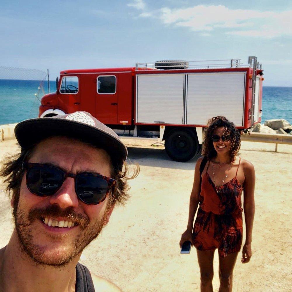 Mijn lief heeft een old skool, ja je leest het goed, brandweerwagen. En daar ben ik heel happy mee want dat wilt zeggen dat ik mee te gekke ritjes kan maken naar eender welke plek. Ook tijdens onze laatste trip hebben we rond gecruised met de brandweerwagen. Héérlijk!