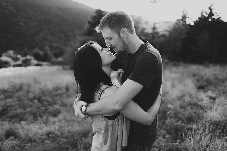 AmandaStephenEngaged - Alicia White Photography-274.jpg