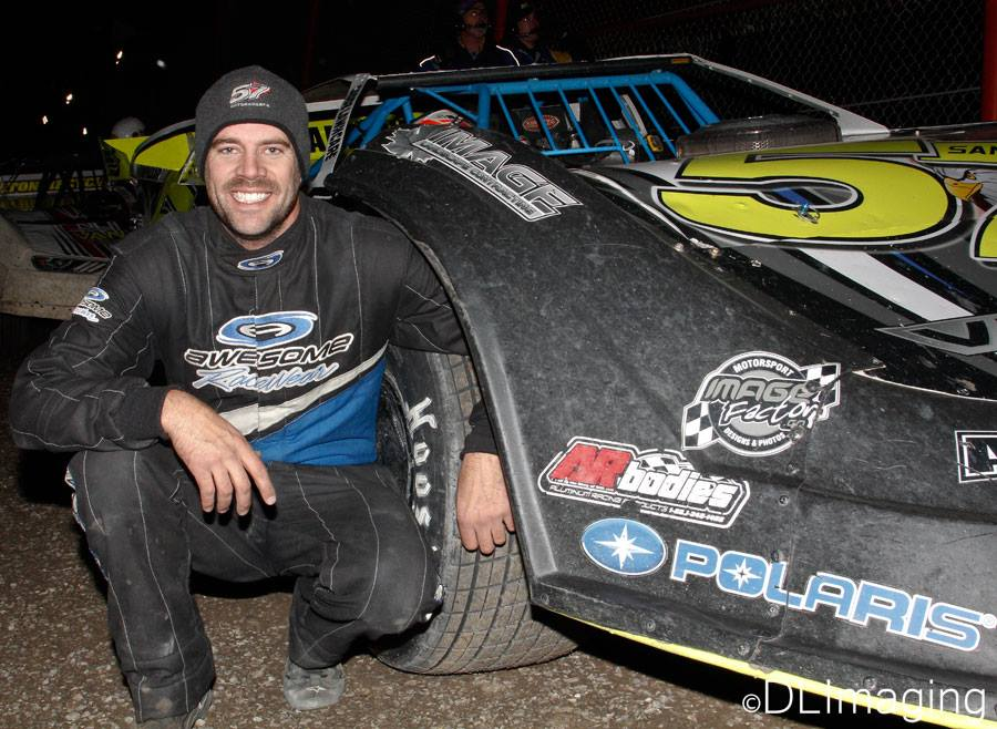 Charlie Sandercock poses after his runner-up finish to earn the 2016 Go Nuclear Late Model Series championship. (Don's Imaging/Don Simpson photo).