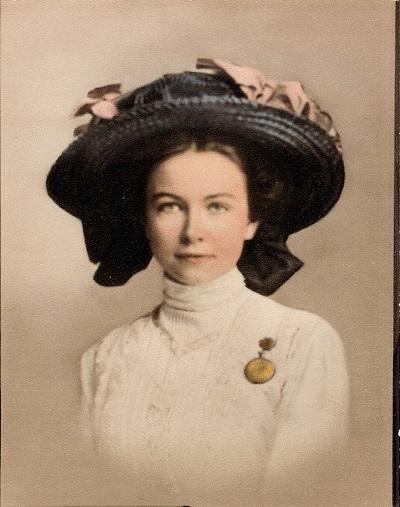 Lorena Floy(e) Beard Undated photo, about 1910