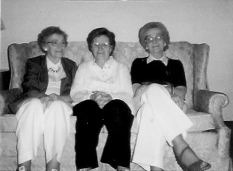 Kreie sisters, Unknown location, June 1984 Left to right: Marian Garrett; Ruth Kalfons; Mildred Janasak