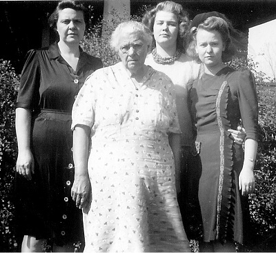 L-R: Zita Jones; Clementine Minerva Shutts, Helen Jones; Shirley Jones Undated photo, probably mid-1940s