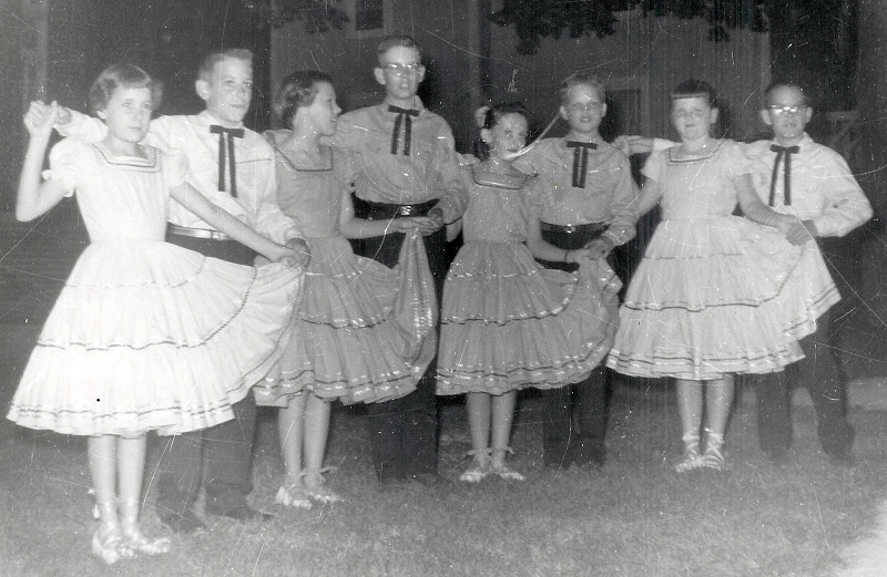 The Pepper Steppers L-R: Sharon Mallory, Craig Garrett, Cindy Jones, Blll Robson, Marianne Lester, Larry Berkey, Cathy Wenes, Bob Van Elsen