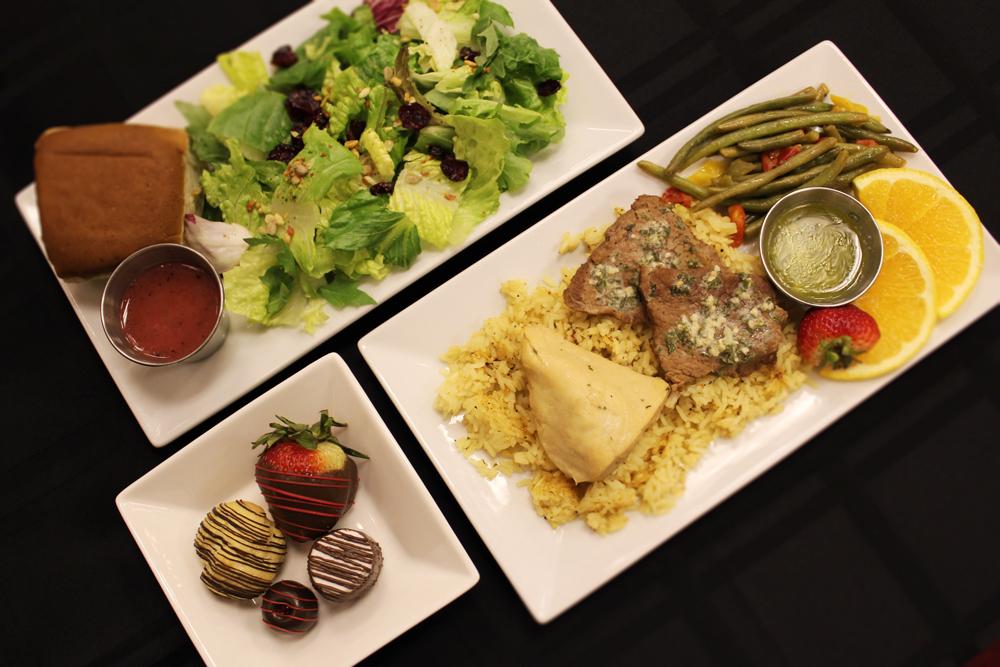 Dinner-Plate-at-Cal-Magic-Club-1000px.jpg