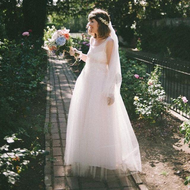 A true bohemian bride! Rebecca wearing a Pelican Rose Bride 100% silk tulle veil.