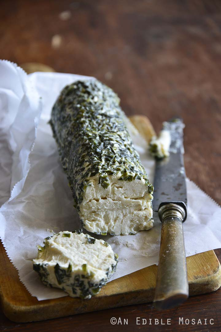 Laura Chenel's Garlic _ Chives Goat Cheese Log 1.jpg