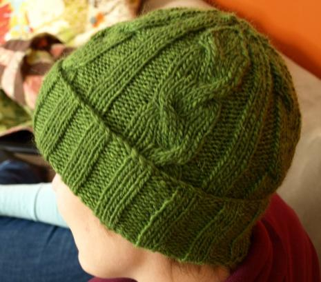 Simple Hat Knitting Pattern In The Round : Mens Cabled Hat Pattern   9 Stitches