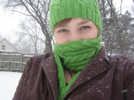 green cabled hat and scarf