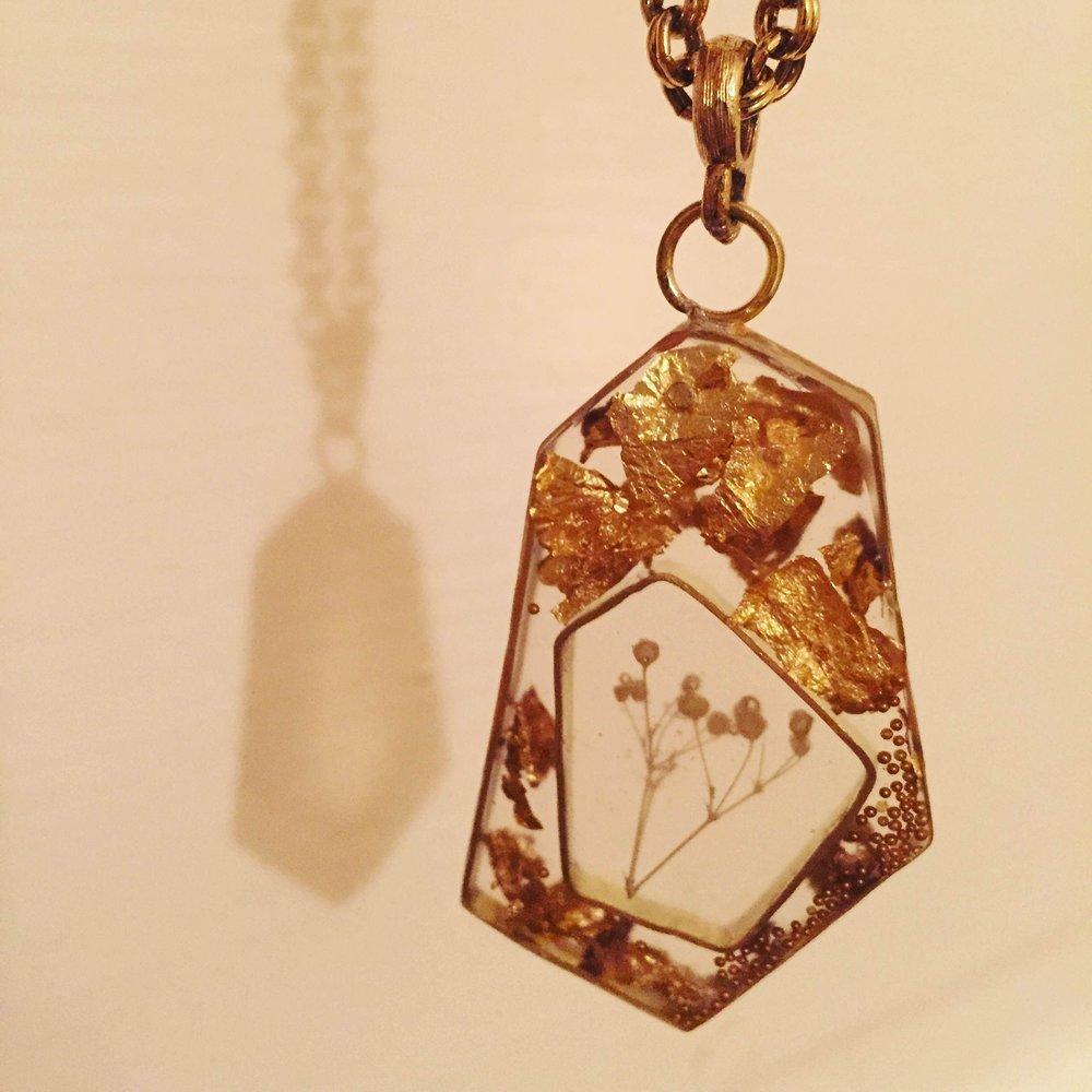 resin-gold.JPG