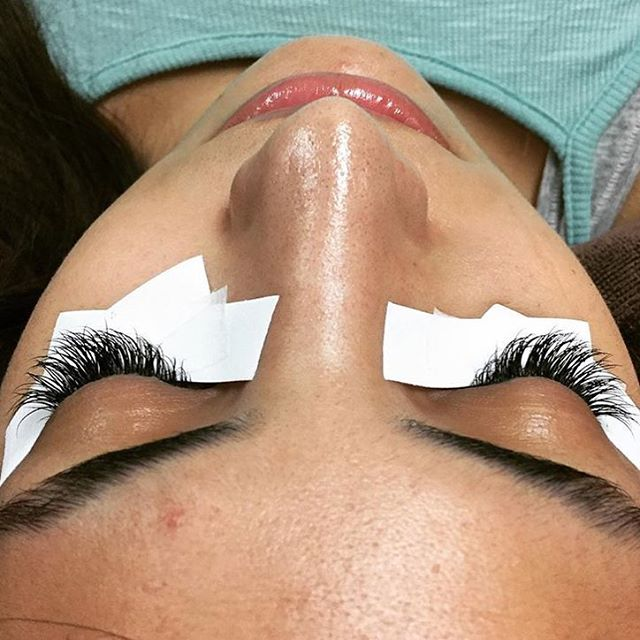 Eyelash extensions by Kajsa @beautyby_kajsa // Full set of lashes I did today #lashesbykajsa#lusciouslashes#longlashes#lashextensions#lashes#lashartist#lashaddict#lashlove#lashmaker#lashspecialist#volumelashes#hdvolume#eyes#makeup#mascara#beauty#eyelash#instabeauty @salon5150 ™@beautyby_kajsa