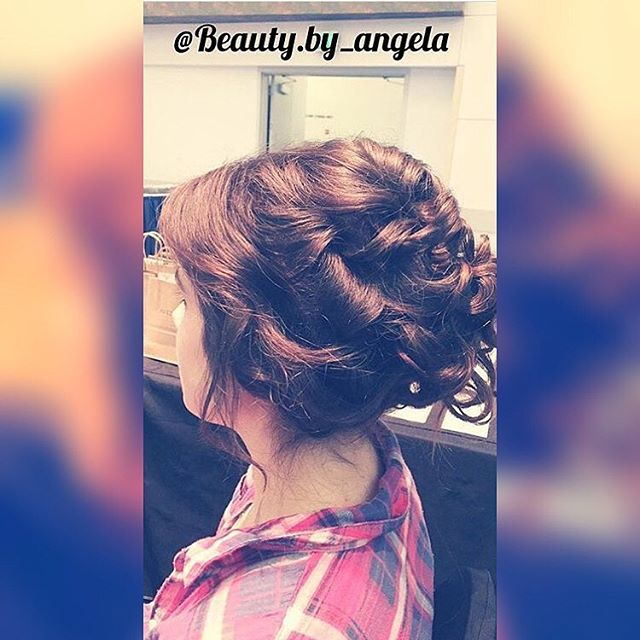 Hair by Angela M @beauty.by_angela // ✨Curls with a updo✨ the perfect bridal look💫 #beautybyangg #salon5150 #ochair #bridal #wedding #updo #curls #downtownbrea #brea #oc @salon5150 ™@beauty.by_angela