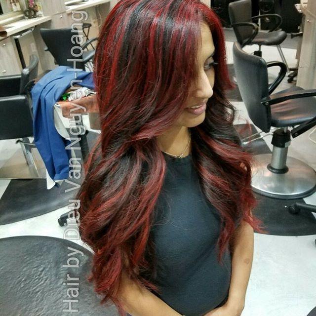 Hair by Van @dieudescheveux // #redhighlights #eimi #wella #salon5150 #hairdressermagic #angelofcolour #behindthechair #hair