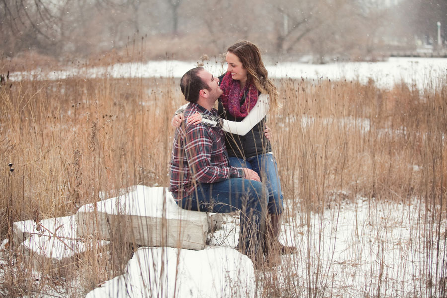 winter-chicago-engagement-photo-002