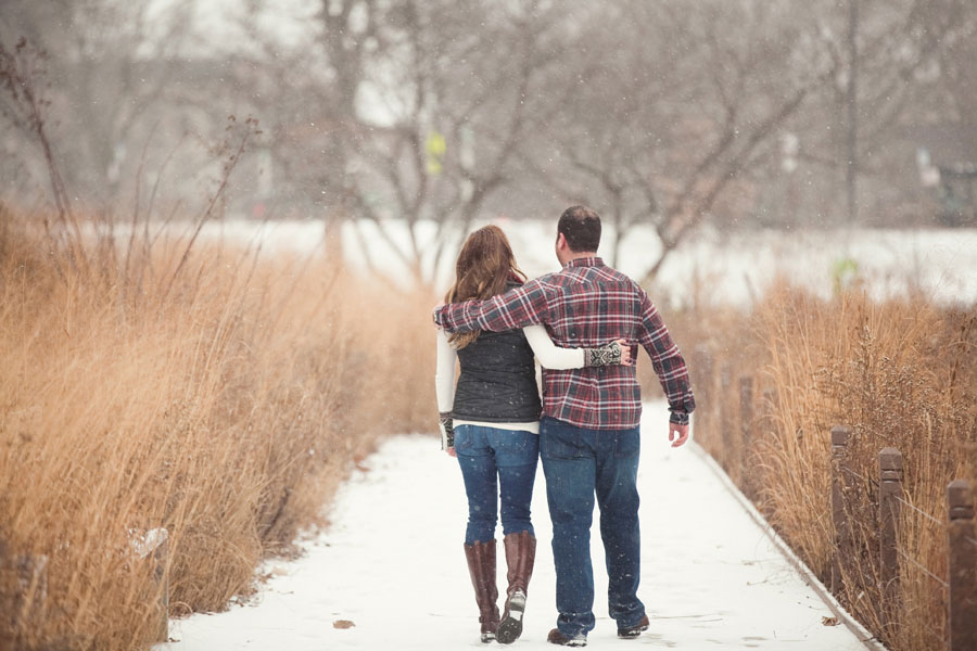 winter-chicago-engagement-photo-022
