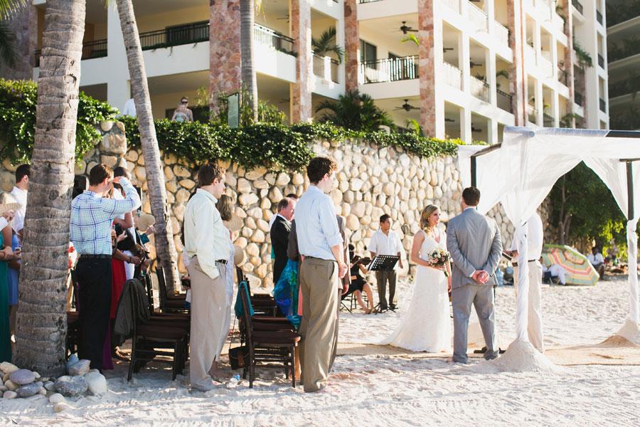 garza-blanca-resort-mexico-wedding-036