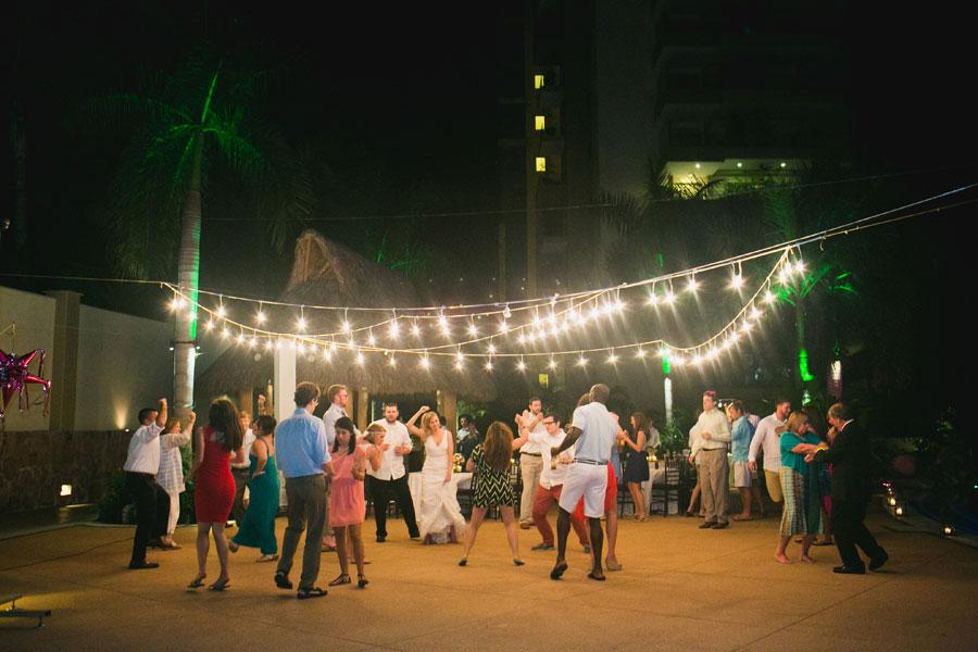 garza-blanca-resort-mexico-wedding-098